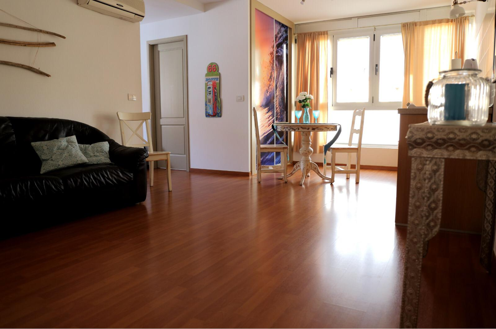 Refurbished apartment in the town centre